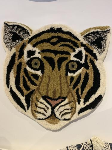 Wool rug tiger face