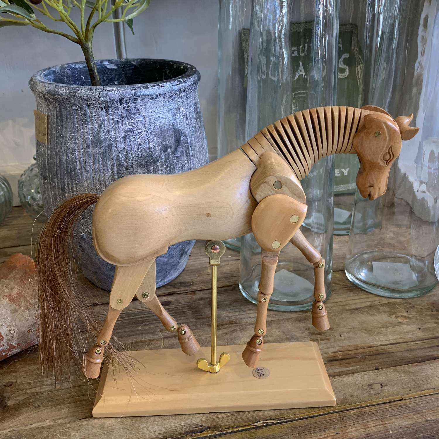 Horse artists lay figure