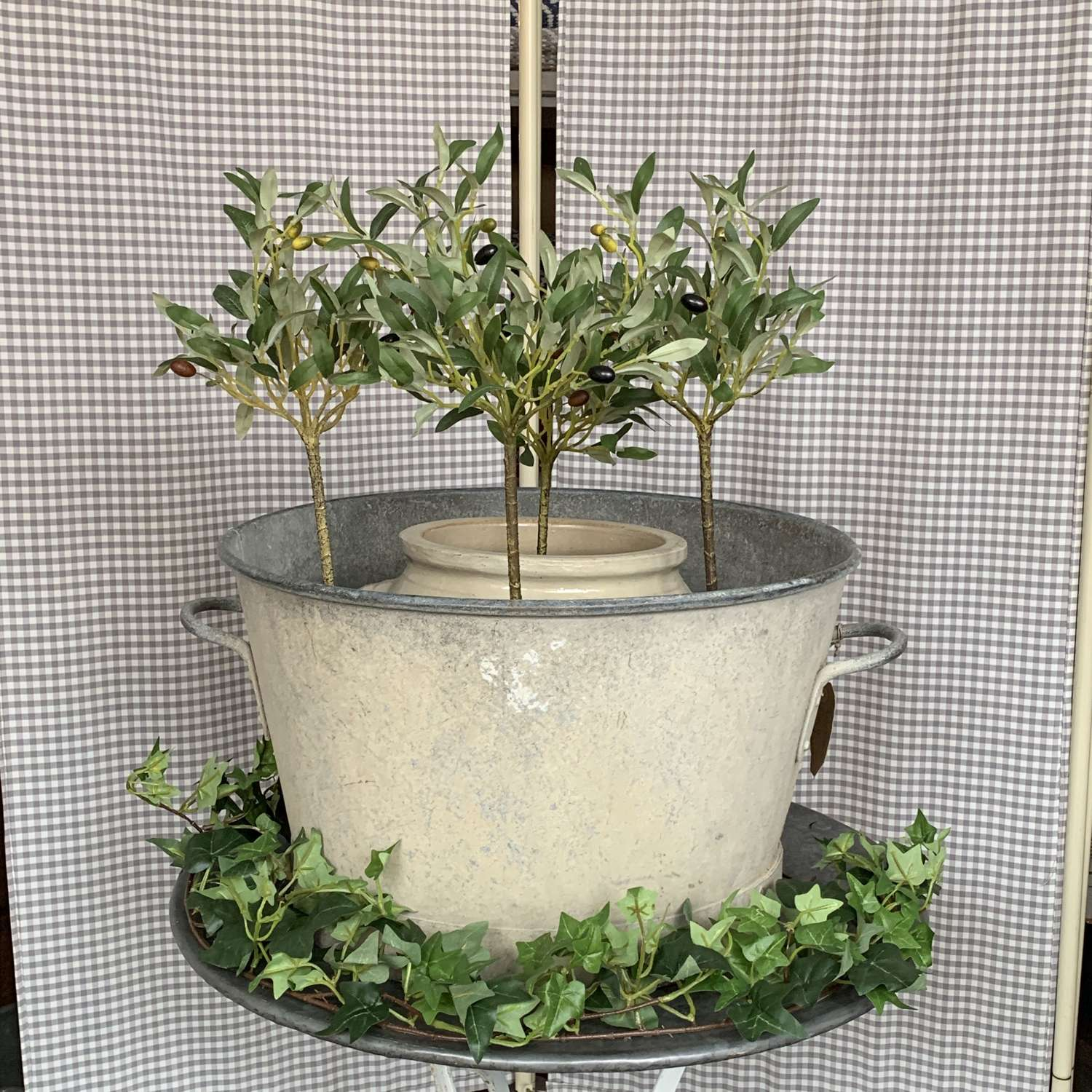 Galvanised tub planter with handles