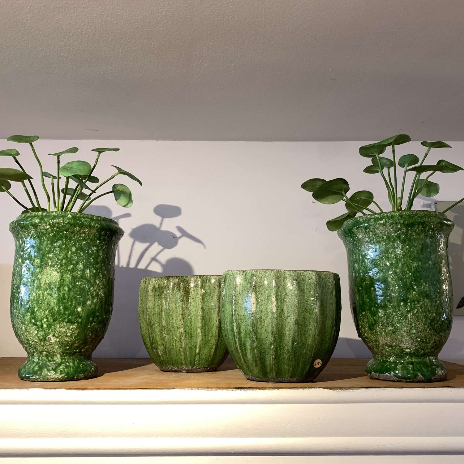 Provencal pots in two sizes