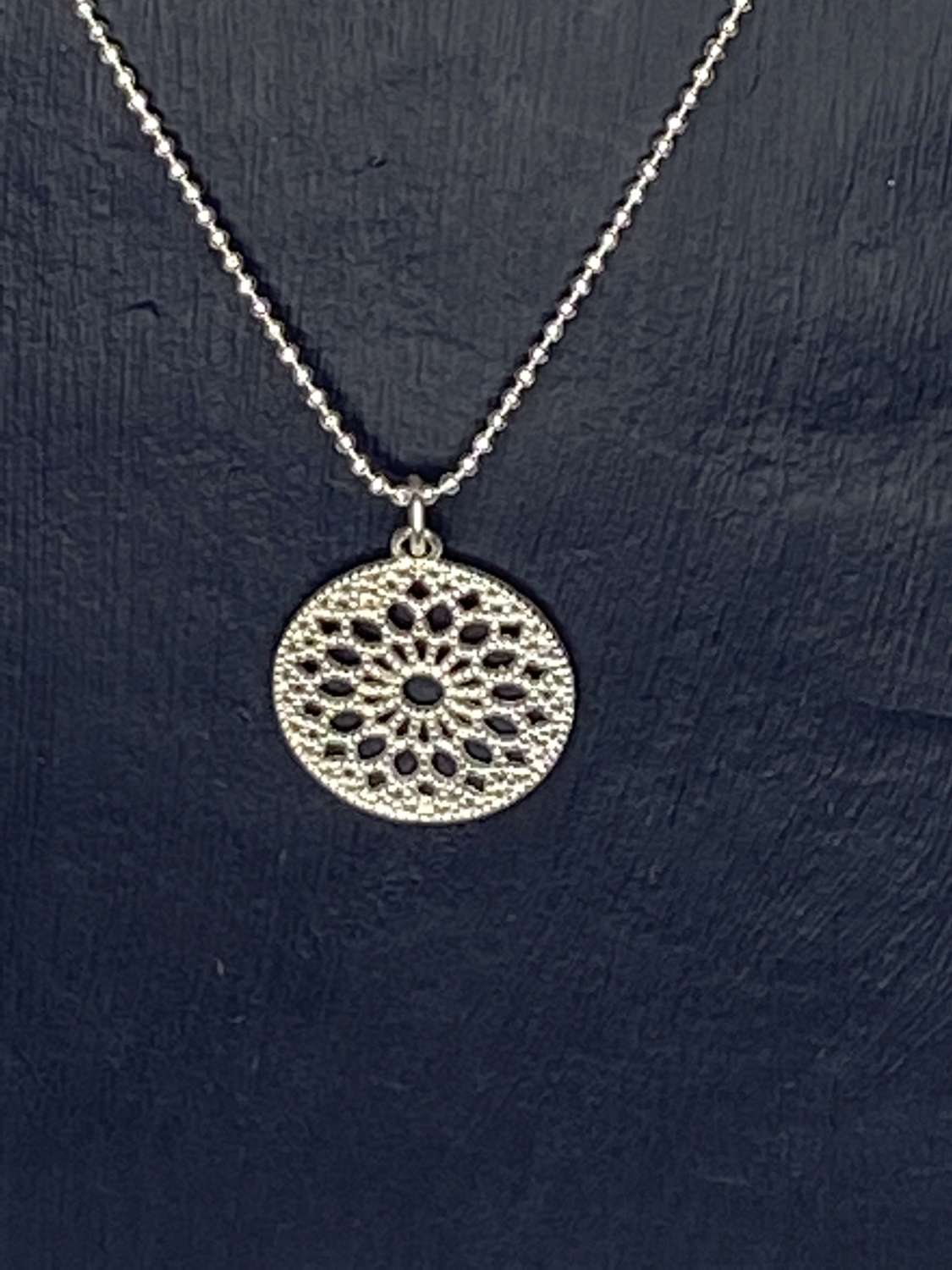 Stirling silver necklace with pendant
