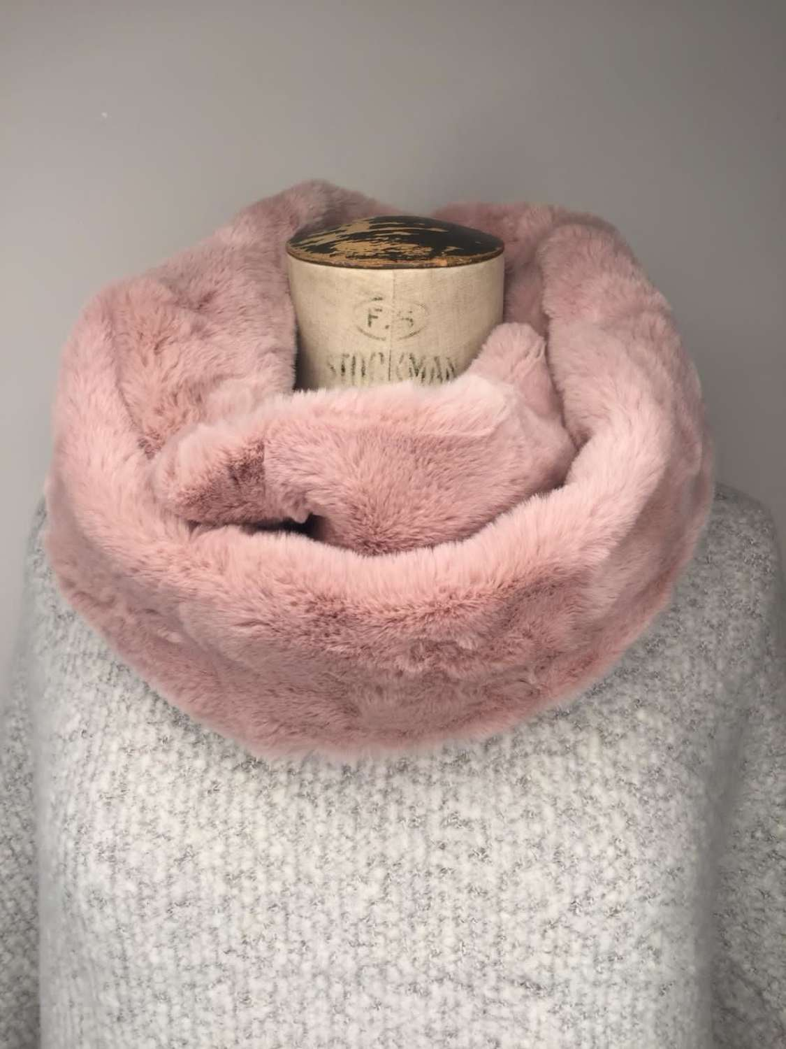 Faux Fur Snood - Dusky Pink